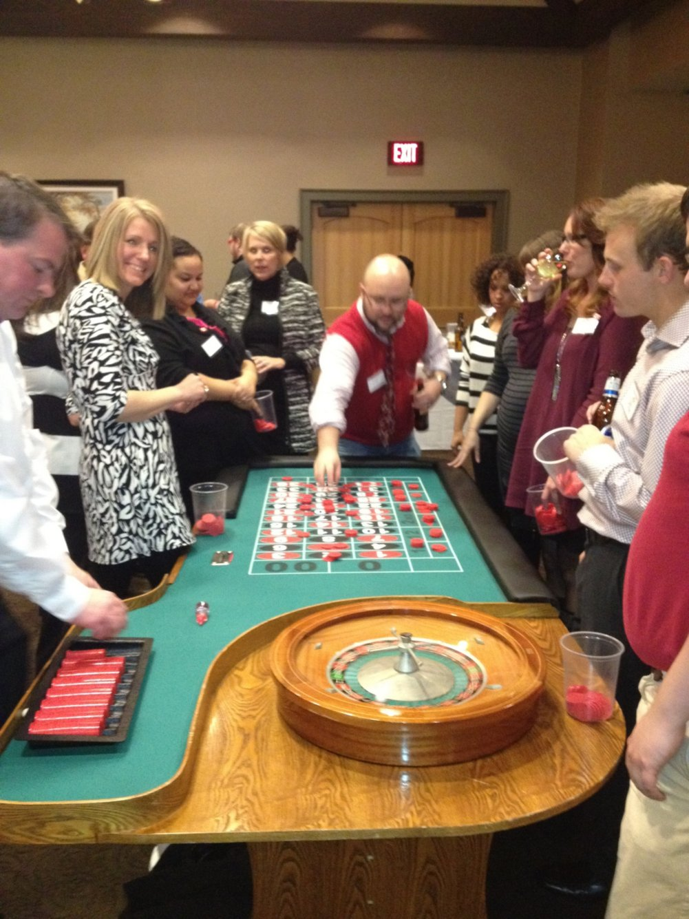 Baudvillians at the roulette table