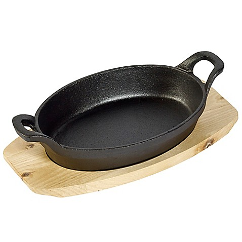 Basic Essentials Oval Sizzler Set With Wooden Trivet In