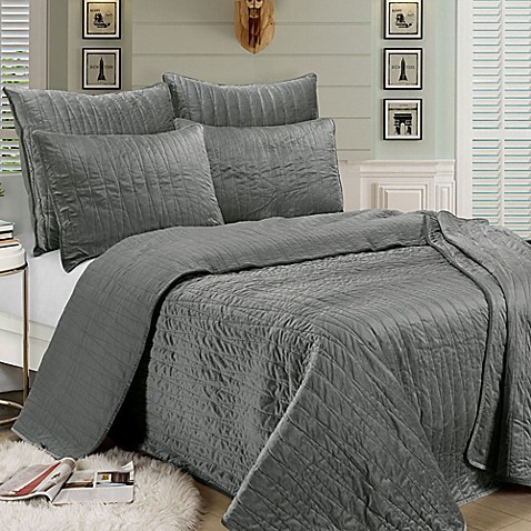 Brielle Velvet Quilt Set | Tuggl
