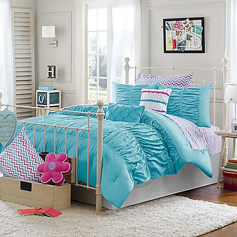 Aqua Coloured Bed Sheets