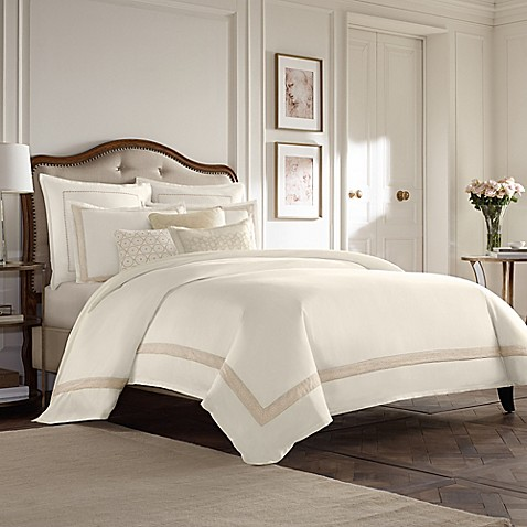 Wamsutta® Collection Luxury Italian-Made Positano Duvet Cover in Ivory/Taupe at Bed Bath & Beyond in Cypress, TX | Tuggl
