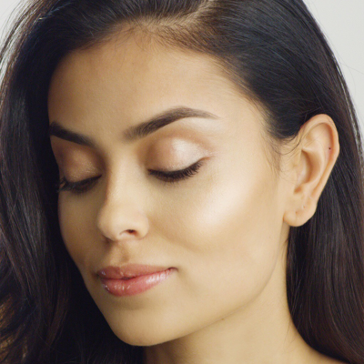 Show Some Skin Weightless Foundation - Dim the Light