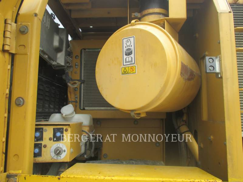 CATERPILLAR KETTEN-HYDRAULIKBAGGER 325DL equipment  photo 10