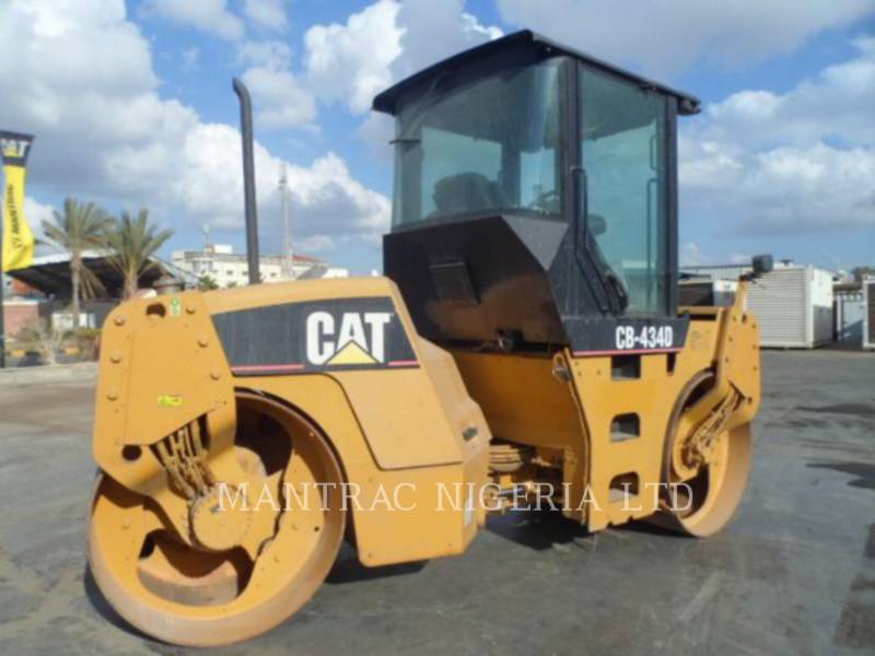 CATERPILLAR TANDEMVIBRATIONSWALZE, ASPHALT CB-434D equipment  photo 2
