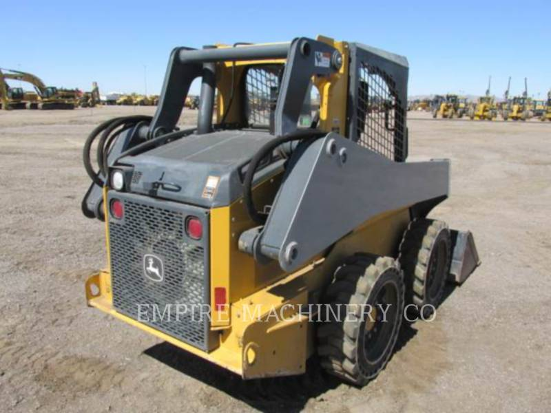 JOHN DEERE CHARGEURS COMPACTS RIGIDES 318E equipment  photo 3