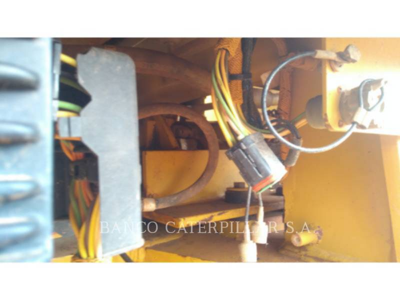CATERPILLAR MOTONIVELADORAS 12K equipment  photo 10