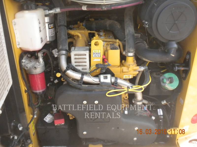 CATERPILLAR SCHRANKLADERS 236D equipment  photo 6