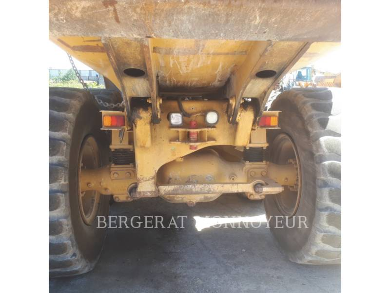 CATERPILLAR ARTICULATED TRUCKS 725 equipment  photo 12