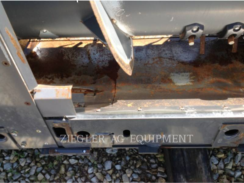 GLEANER HEADERS 8200-30 equipment  photo 12