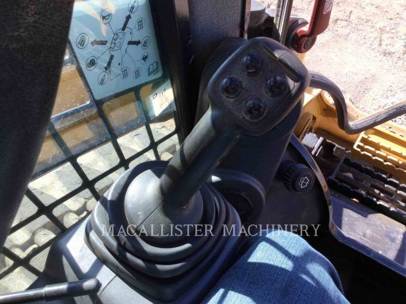 CATERPILLAR CHARGEURS TOUT TERRAIN 299D2 equipment  photo 12