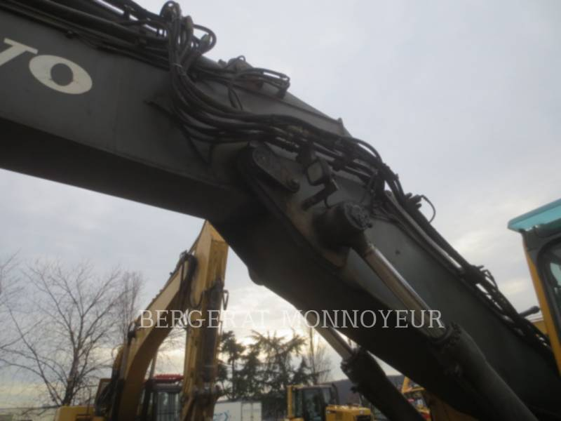 VOLVO CONSTRUCTION EQUIPMENT TRACK EXCAVATORS EC210BLC equipment  photo 20