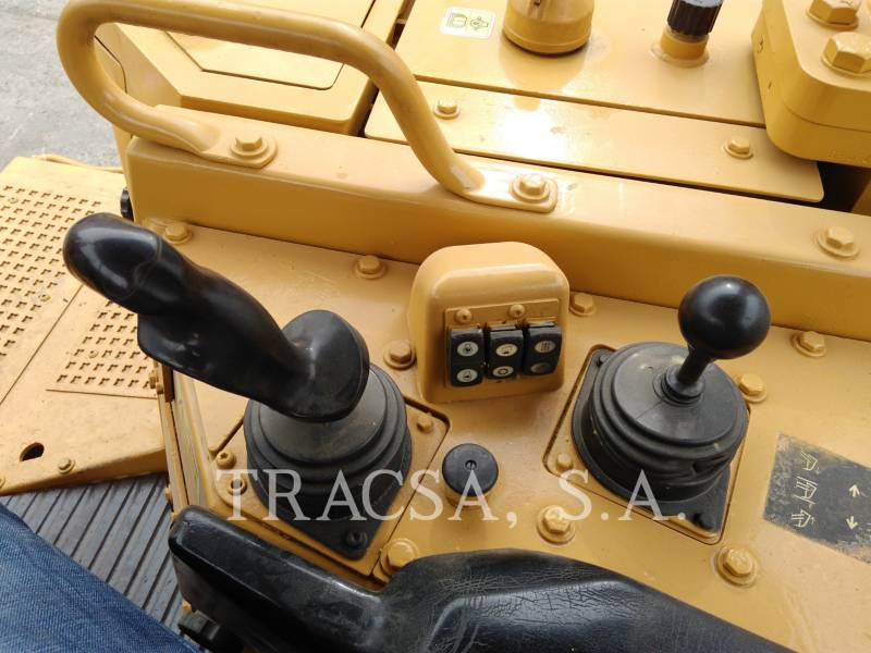 Caterpillar TRACTOARE CU ŞENILE D6T equipment  photo 20