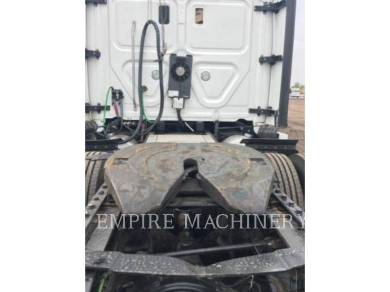 FREIGHTLINER SONSTIGES CASCADIA equipment  photo 15