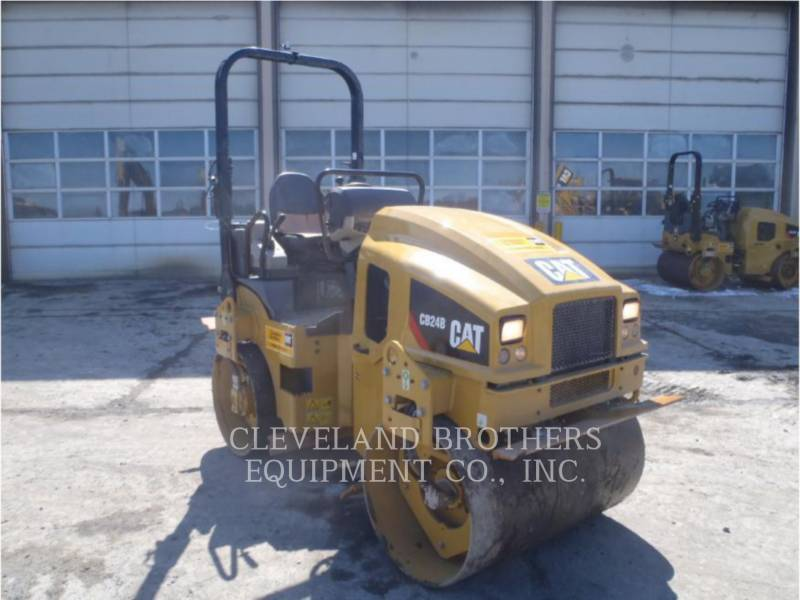 CATERPILLAR VIBRATORY DOUBLE DRUM ASPHALT CB24BLRC equipment  photo 2