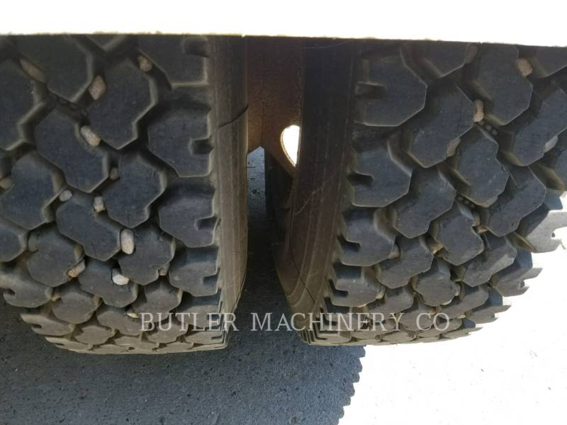 CATERPILLAR CAMIONS ROUTIERS CT660 equipment  photo 11