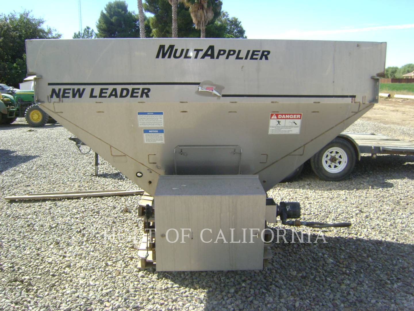 Detail photo of 2011 International 7400 FLOATER TRUCK from Construction Equipment Guide