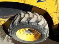 KOMATSU SKID STEER LOADERS SK714 equipment  photo 9