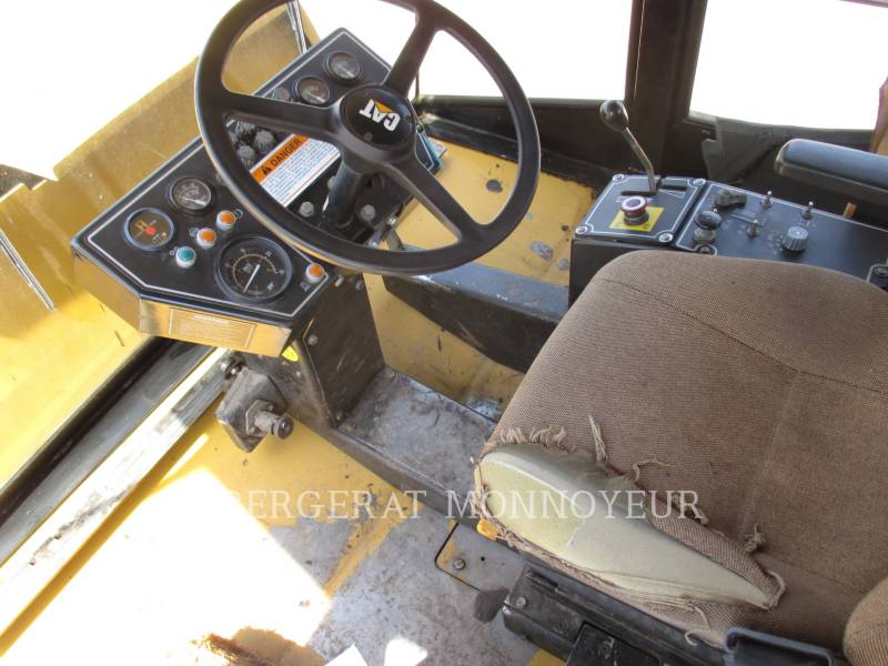 CATERPILLAR GUMMIRADWALZEN PS-300C equipment  photo 6