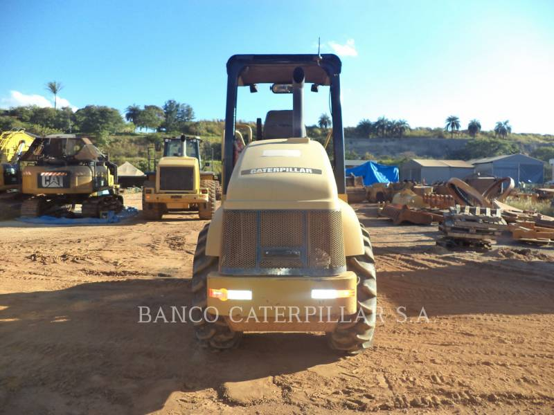 CATERPILLAR COMPACTEUR VIBRANT, MONOCYLINDRE LISSE CS-423E equipment  photo 4