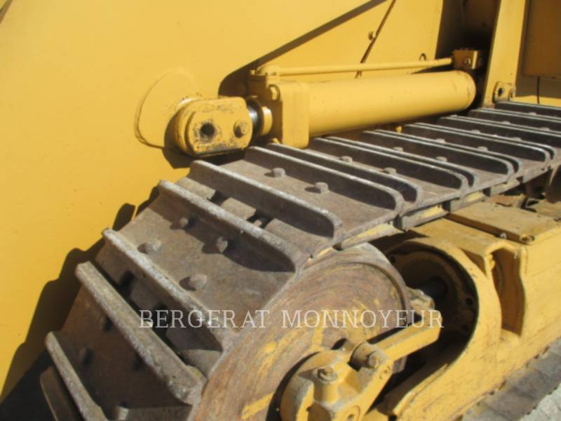 CATERPILLAR CHARGEURS SUR CHAINES 963 equipment  photo 7