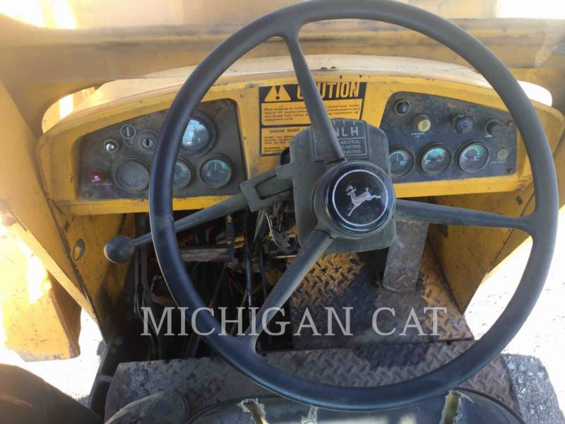 JOHN DEERE WHEEL LOADERS/INTEGRATED TOOLCARRIERS 544B equipment  photo 22