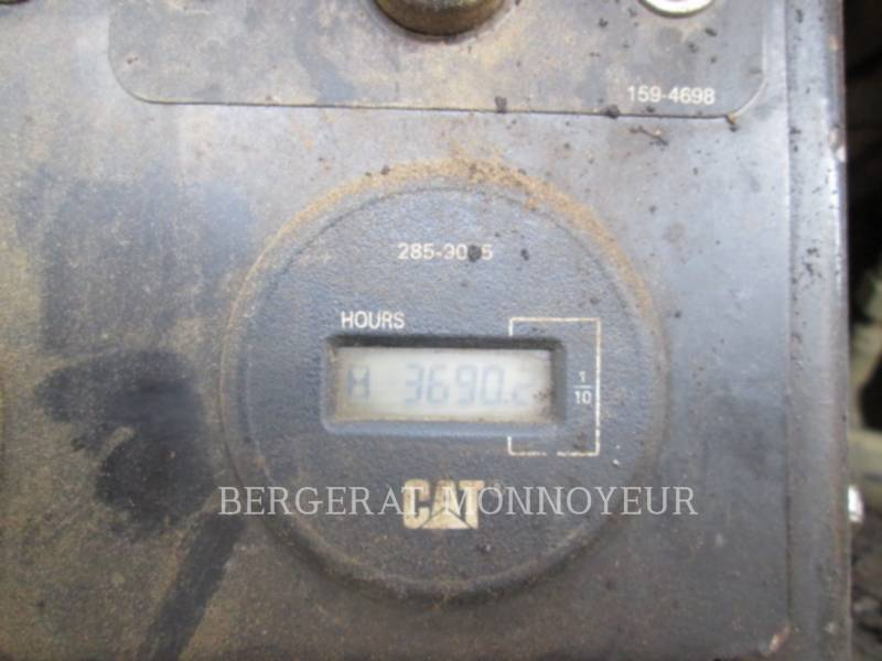 CATERPILLAR SCHWARZDECKENFERTIGER AP300 equipment  photo 4