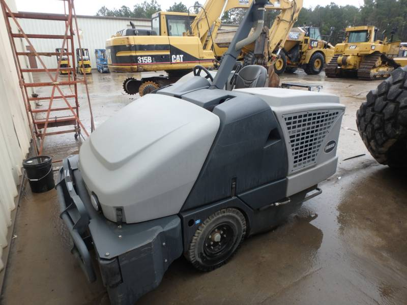 ADVANCE INDUSTRIAL SW8000 FLOOR SWEEPER equipment  photo 5