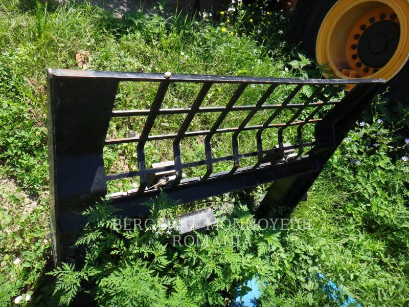 CATERPILLAR WT - FORKS  equipment  photo 3