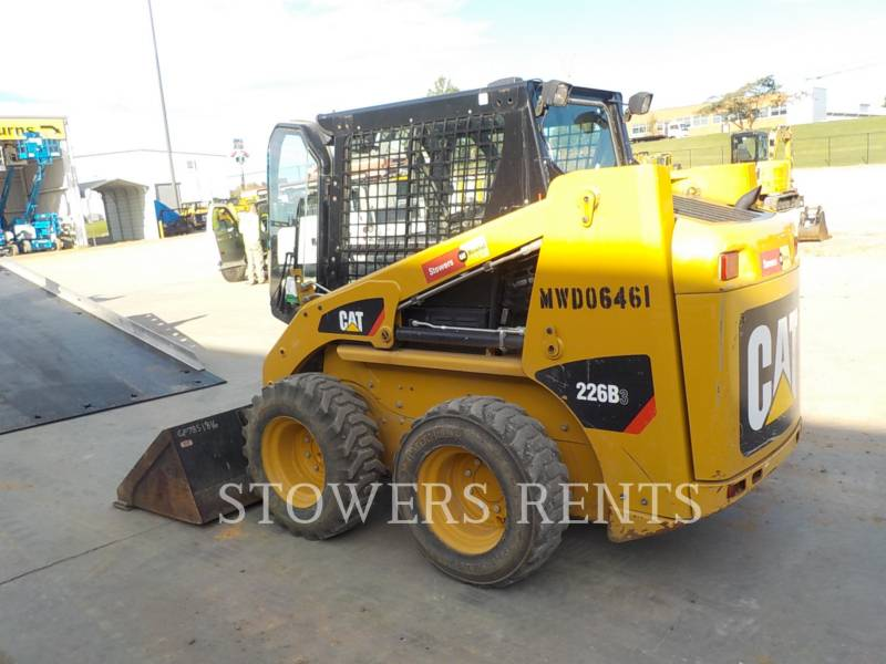 CATERPILLAR PALE COMPATTE SKID STEER 226B3 CAB equipment  photo 3