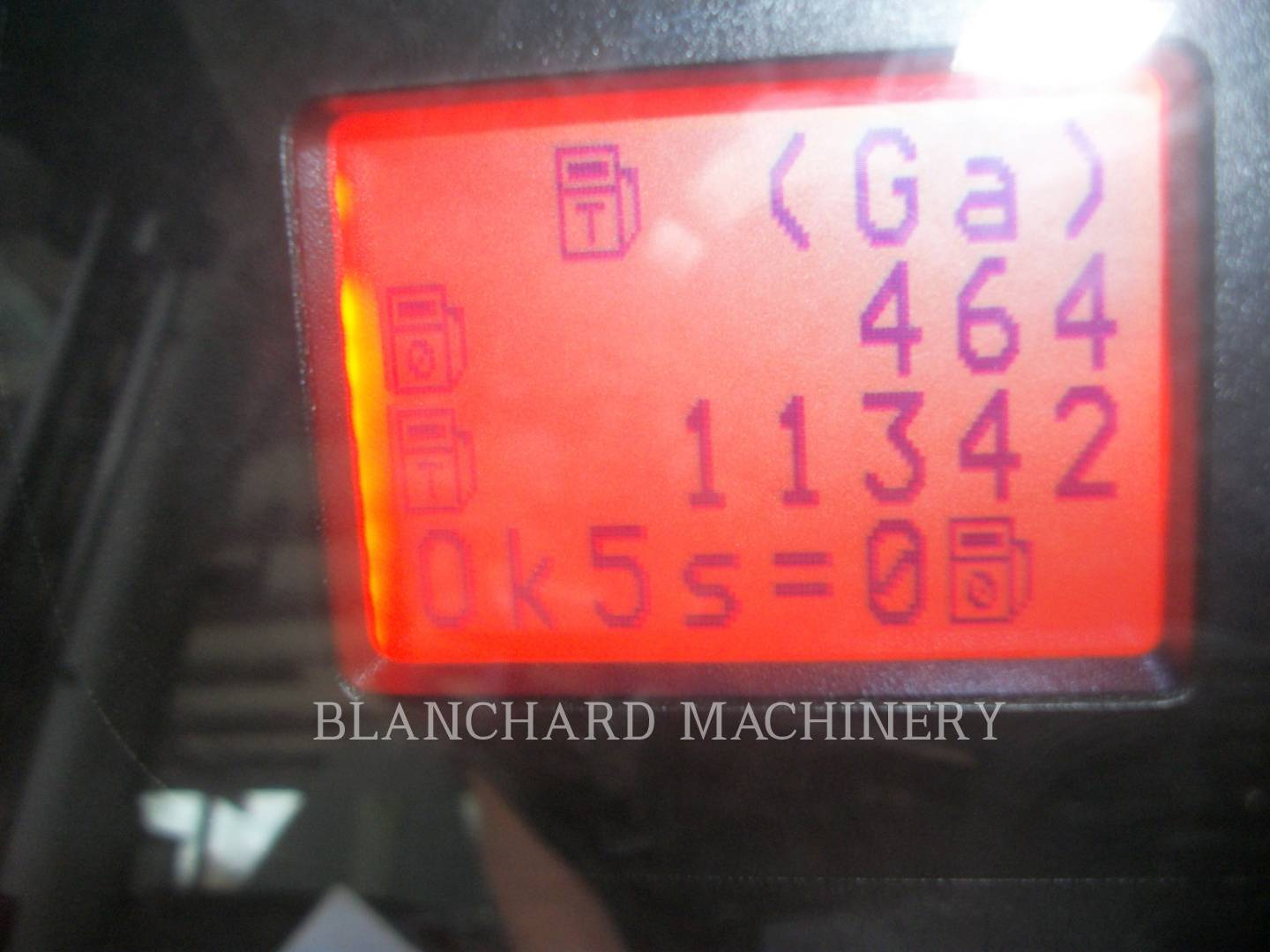 Detail photo of 2009 Challenger MT575B from Construction Equipment Guide