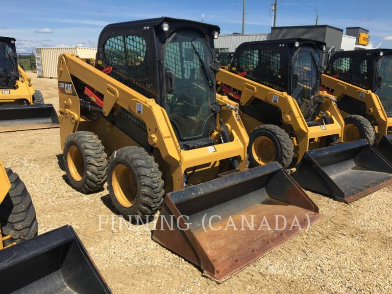 Caterpillar MINIÎNCĂRCĂTOARE RIGIDE MULTIFUNCŢIONALE 226D equipment  photo 1