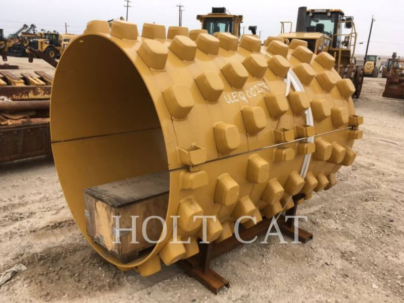 CATERPILLAR VIBRATORY SINGLE DRUM PAD CS66B CAB equipment  photo 11