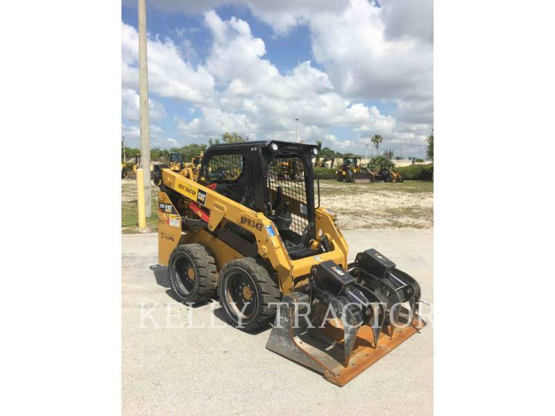 CATERPILLAR SKID STEER LOADERS 232 D equipment  photo 2