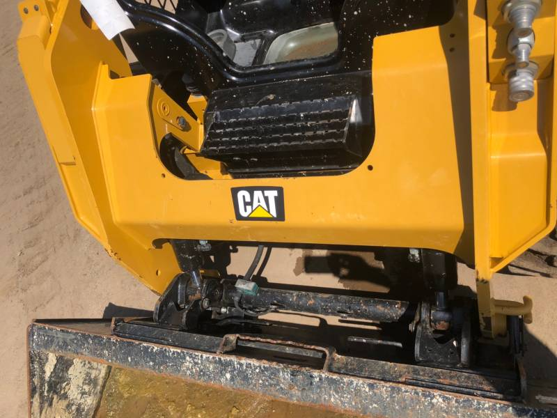 CATERPILLAR PALE COMPATTE SKID STEER 242D equipment  photo 18