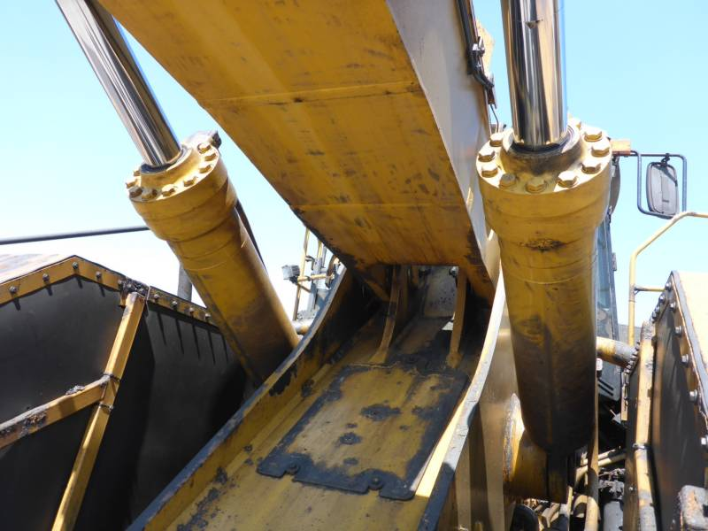 CATERPILLAR WHEEL LOADERS/INTEGRATED TOOLCARRIERS 988H equipment  photo 19