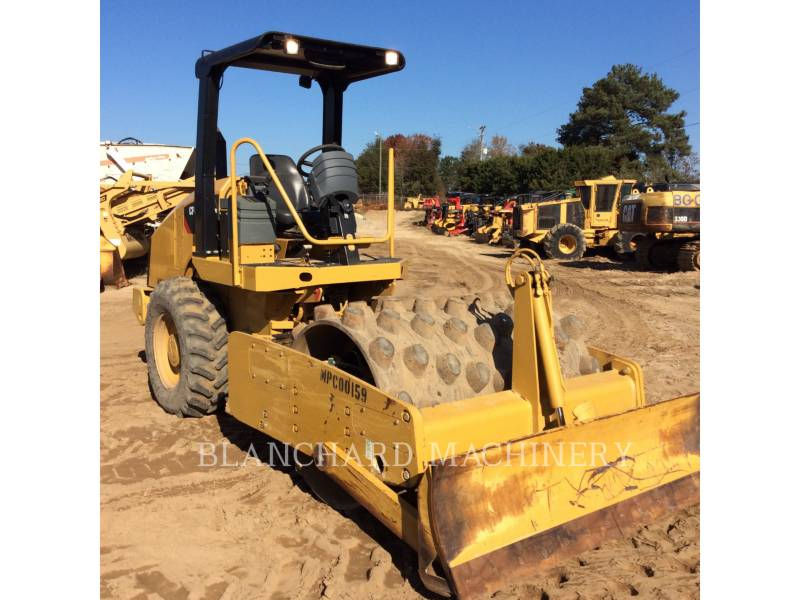 CATERPILLAR ASPHALT DISTRIBUTORS CP44 equipment  photo 2