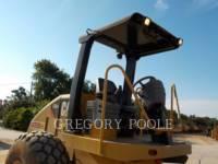 CATERPILLAR VIBRATORY SINGLE DRUM SMOOTH CS-54 equipment  photo 6