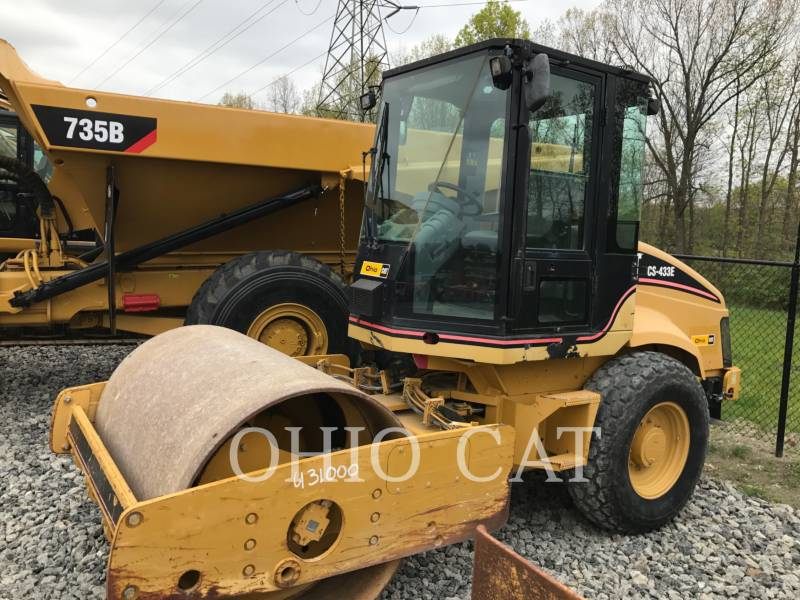 CATERPILLAR RODILLOS COMBINADOS CS433E equipment  photo 1