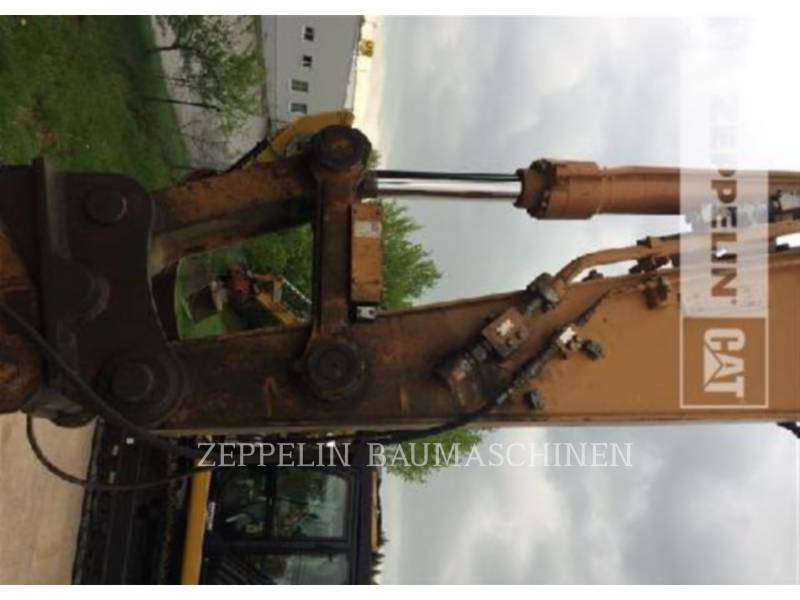 CASE PELLES SUR CHAINES CX290 equipment  photo 12