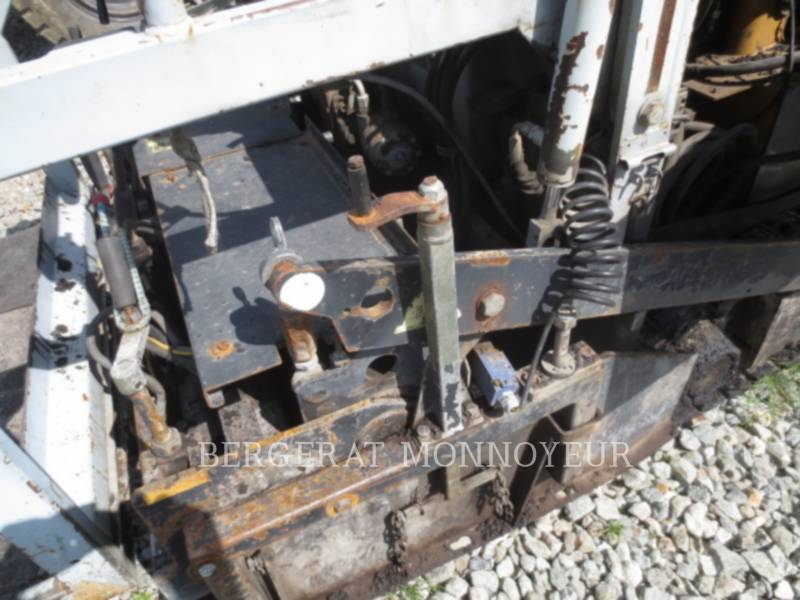 CATERPILLAR PAVIMENTADORA DE ASFALTO BB621C equipment  photo 10