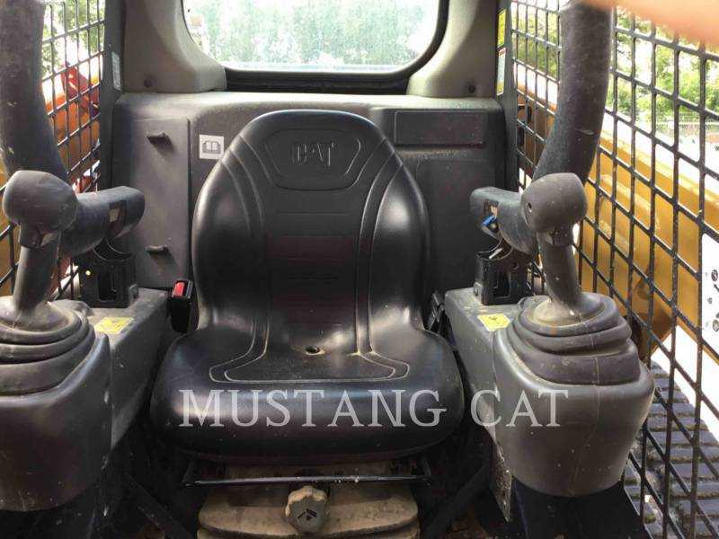 CATERPILLAR DELTALADER 249D equipment  photo 6