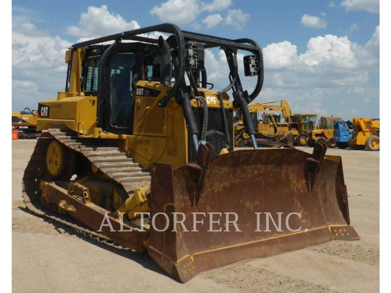 CATERPILLAR TRACK TYPE TRACTORS D6T XW equipment  photo 2