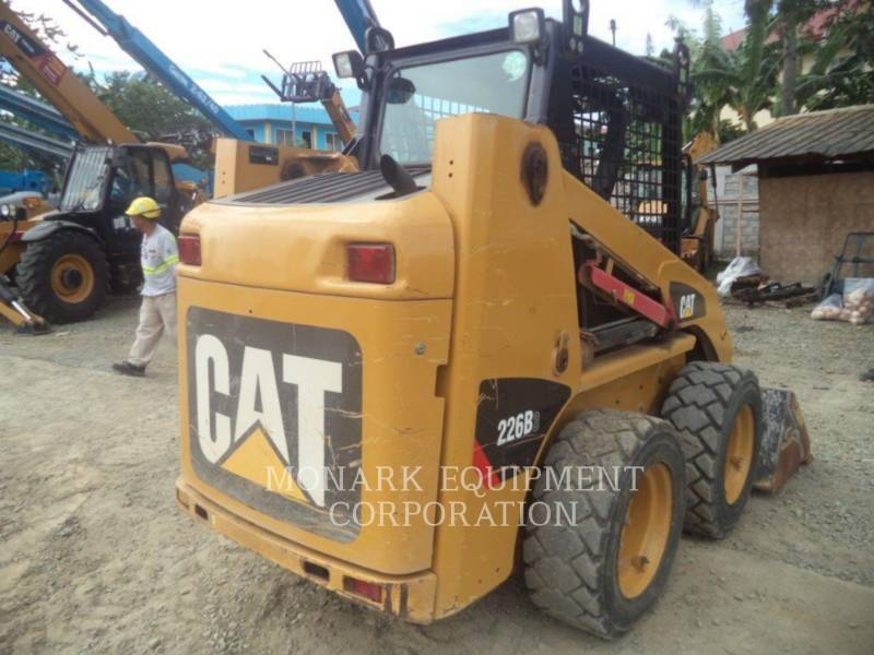 CATERPILLAR MINICARREGADEIRAS 226B3LRC equipment  photo 4