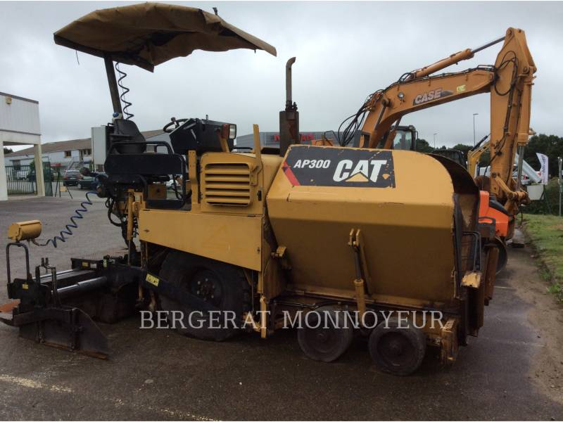 CATERPILLAR SCHWARZDECKENFERTIGER AP300 equipment  photo 8