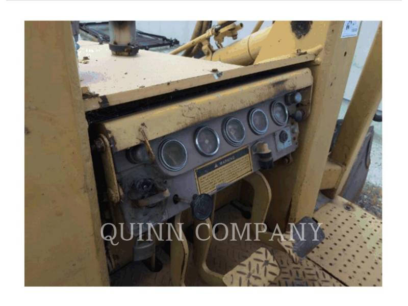 CATERPILLAR CARGADORES DE CADENAS 935C equipment  photo 6