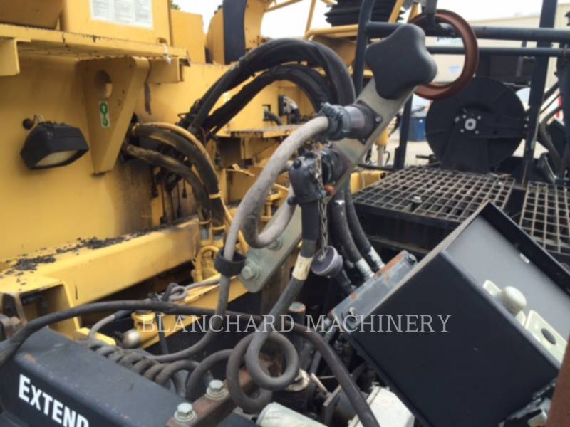 CATERPILLAR ASPHALT PAVERS AP1055D equipment  photo 12