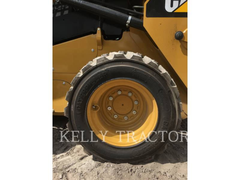 Caterpillar MINIÎNCĂRCĂTOARE RIGIDE MULTIFUNCŢIONALE 236 D equipment  photo 4