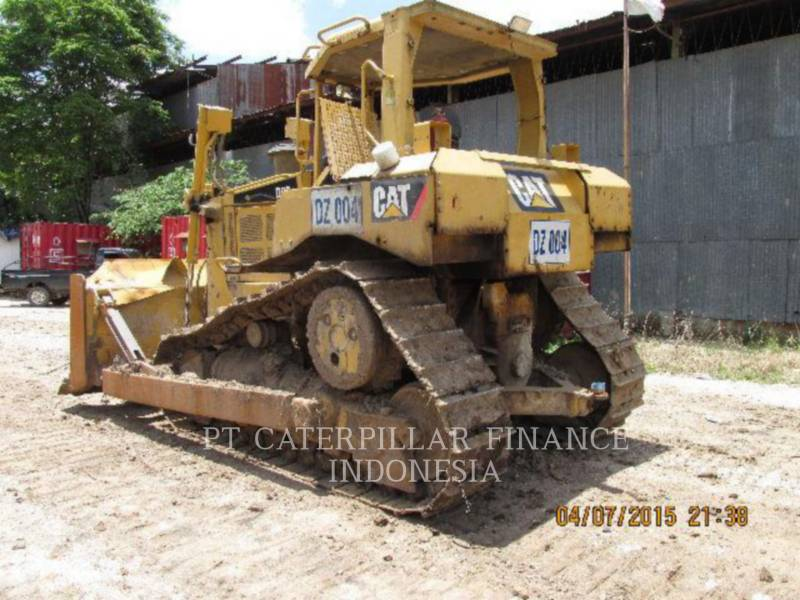 CATERPILLAR KETTENDOZER D6RIII equipment  photo 10