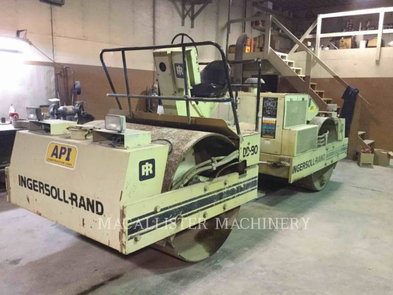 INGERSOLL-RAND VIBRATORY DOUBLE DRUM ASPHALT DD90 equipment  photo 2