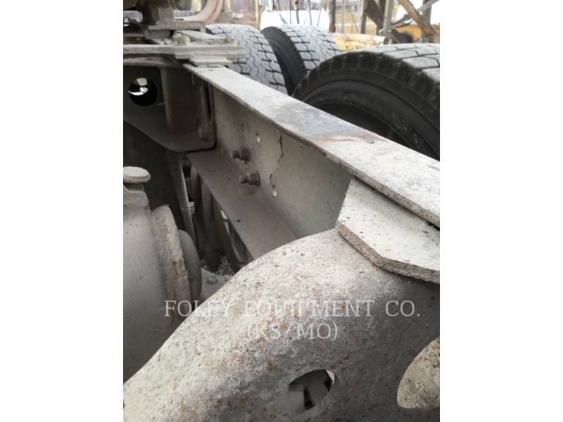 MACK CAMIONES DE CARRETER R223 equipment  photo 21
